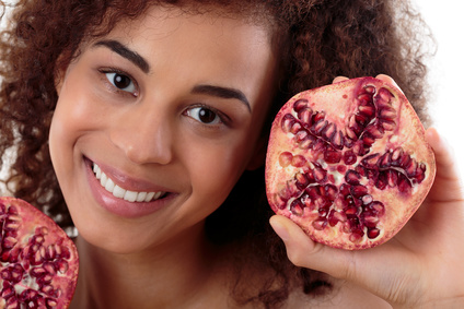 pomegranate fruit fight acne causing bacteria